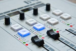 radio-1475055_960_720